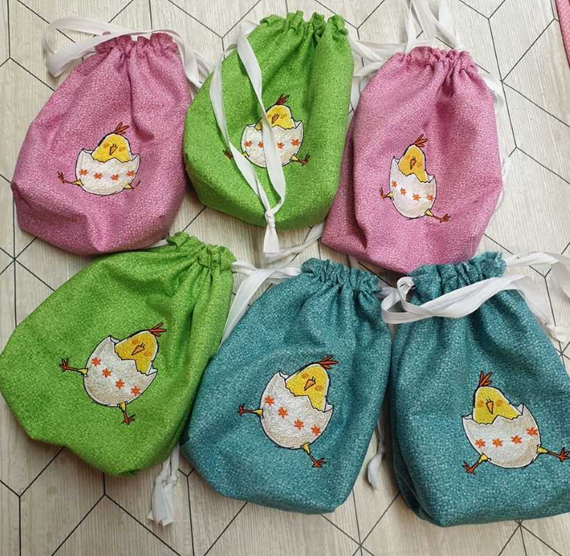 Embroidered easter bag little chicken design