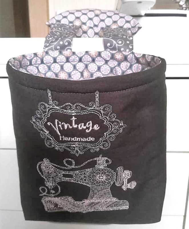 Shopping bag with vintage sewing machine embroidery design