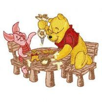 Winnie the Pooh and Piglet Make Christmas Dinner