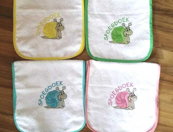 Embroidered baby bibs set with snail free design